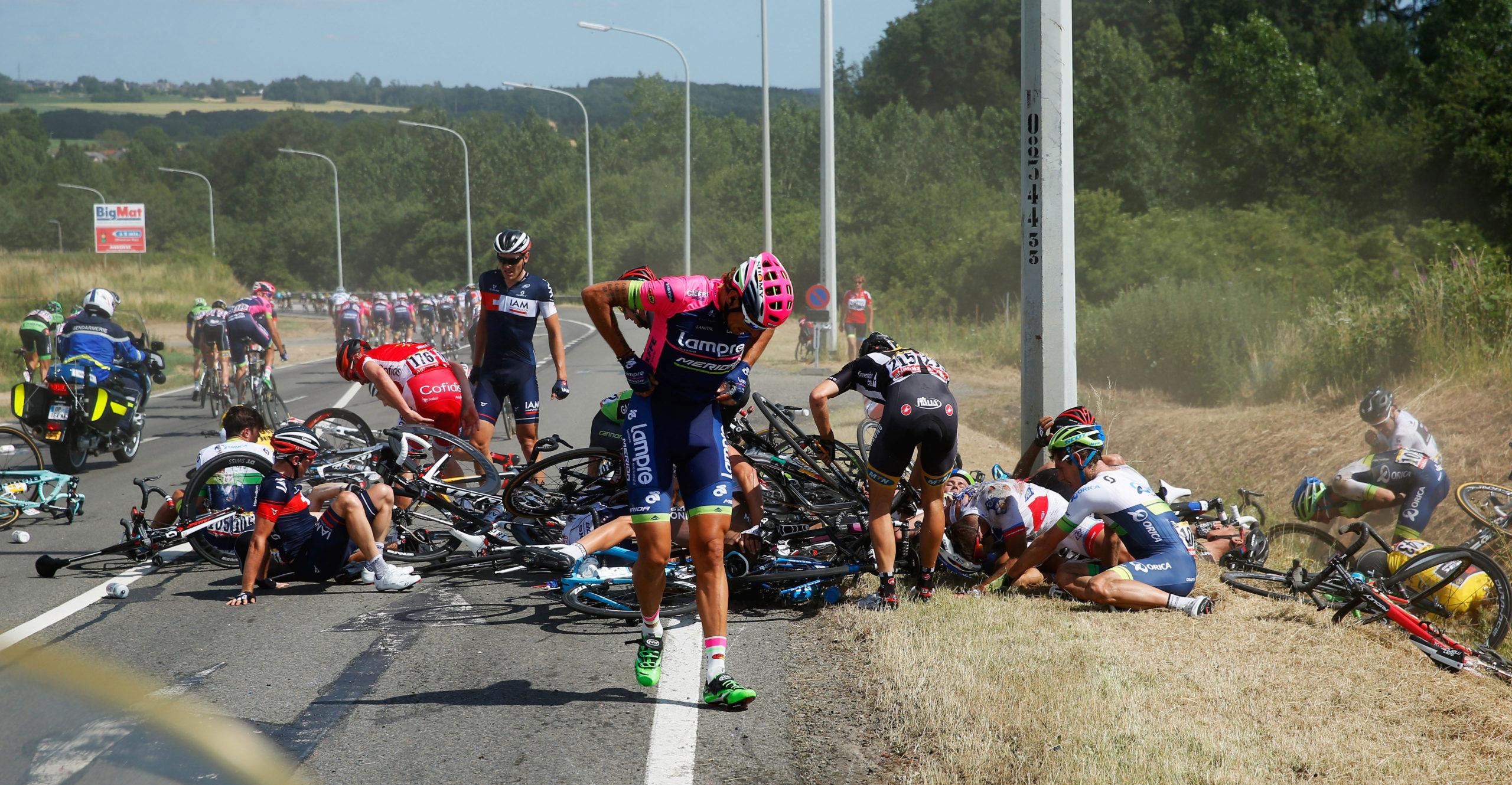 via http://deadspin.com/massive-tour-de-france-crash-takes-out-20-1716013199